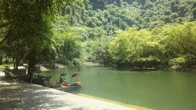 ベトナム ニンビン紀行 チャンアンのボートクルーズ